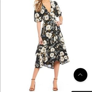 Gianni Bini Floral Wrap Dress L in Navy Floral